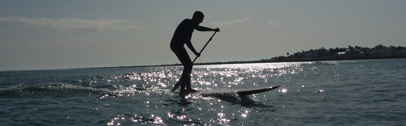 SUP-Wellenreiten auf Fuerteventura (Foto: T. Jasper)