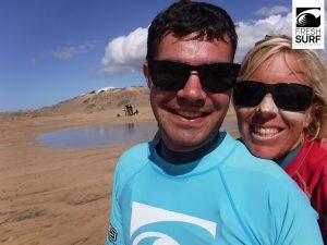 Strahlen mit Surf-Coach Angie (Foto: FreshSurf)