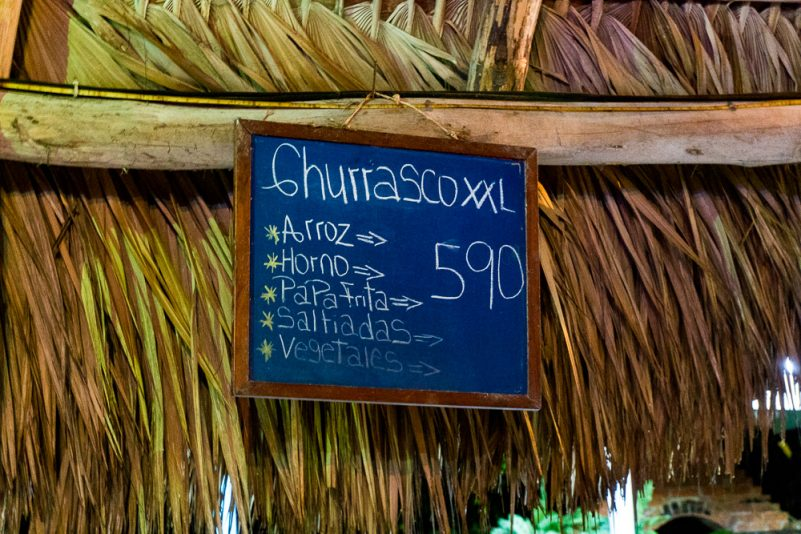Restaurant in Alis Surfcamp (Foto: T. Pfannkuch)