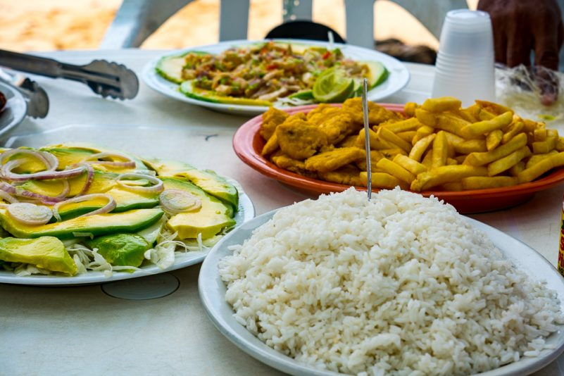 Essen bei der Playa Grande (Foto: T. Pfannkuch)