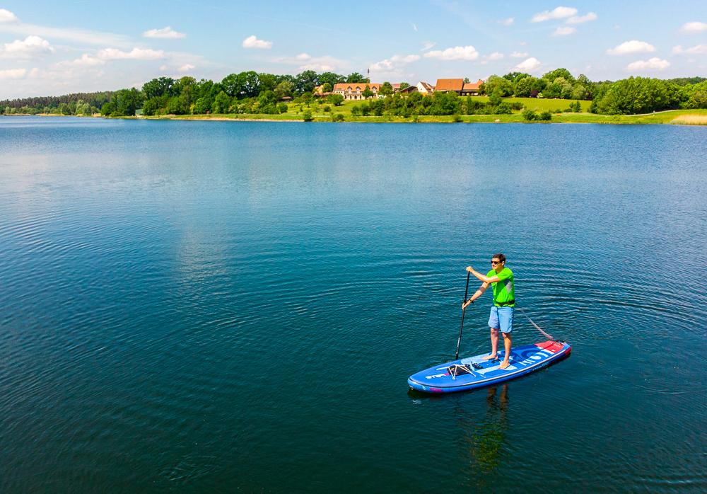 SUP-Tour auf dem Rothsee im Fränkischen Seenland (Foto: V. Regehr)
