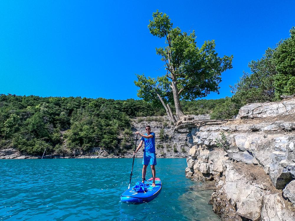 SUP-Tour auf dem Lac de Serre-Ponçon (Foto: T. Pfannkuch)