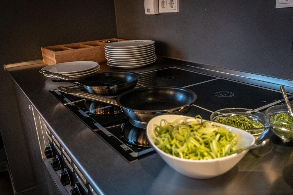 Frisches Rührei oder Omelett zum Frühstück kannst du dir an den Herdplatten im Frühstücksraum selbst zubereiten