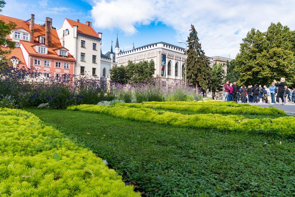 Die vielen Parks in Riga laden zum Verweilen und Entspannen ein