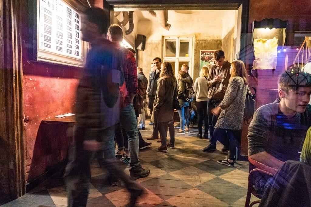 Konzerte genießen oder gemütlich ein Bier trinken - im Kulturzentrum Kanepe problemlos möglich