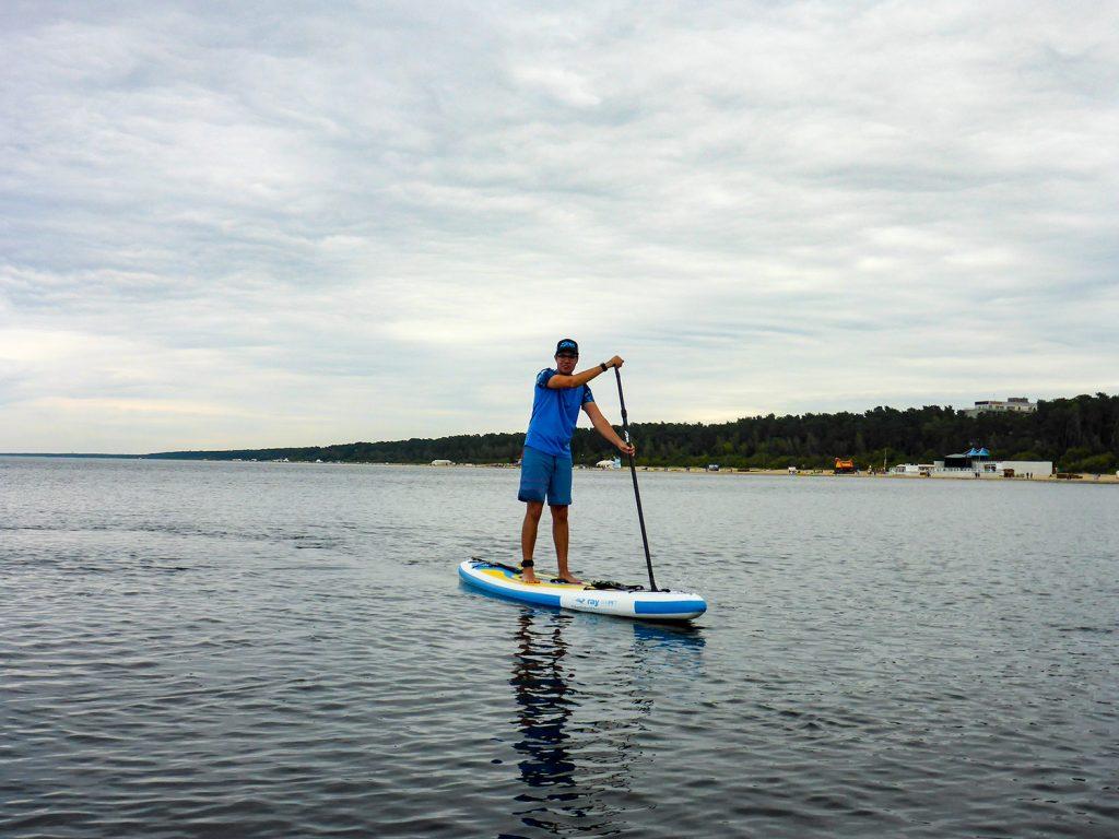 Die Ostsee nahe Riga zeigt sich während unserer SUP-Tour von ihrer schönsten Seite