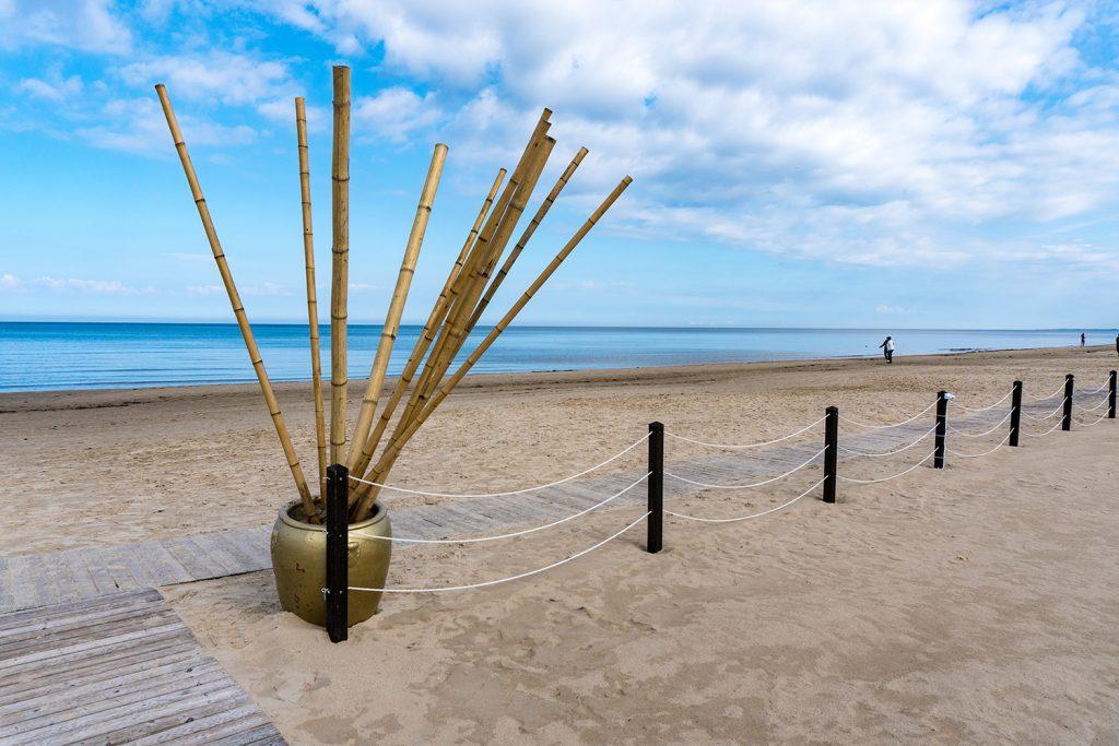 10 Kilometer feinster Sandstrand und tolle Strandbars bietet das Erholungsgebiet Jūrmala